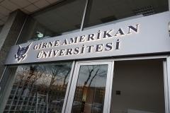 Girne Amerikan Üniversitesi Işıklı Pleksi Takoz Harf Tabela